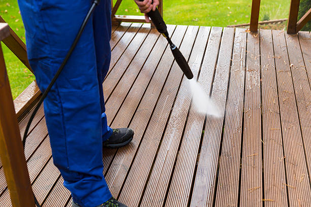 Does cleaning is easy using high pressure washer?